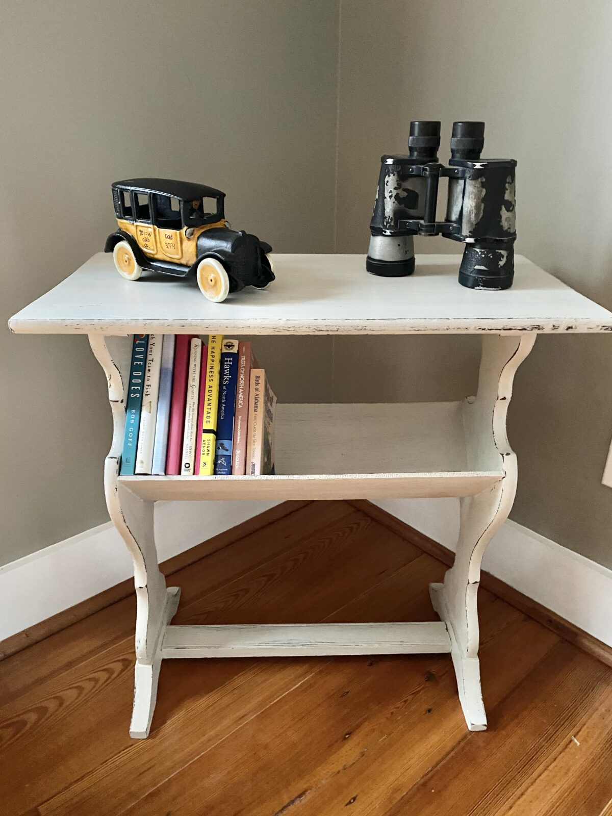 How to Chalk Paint a Table