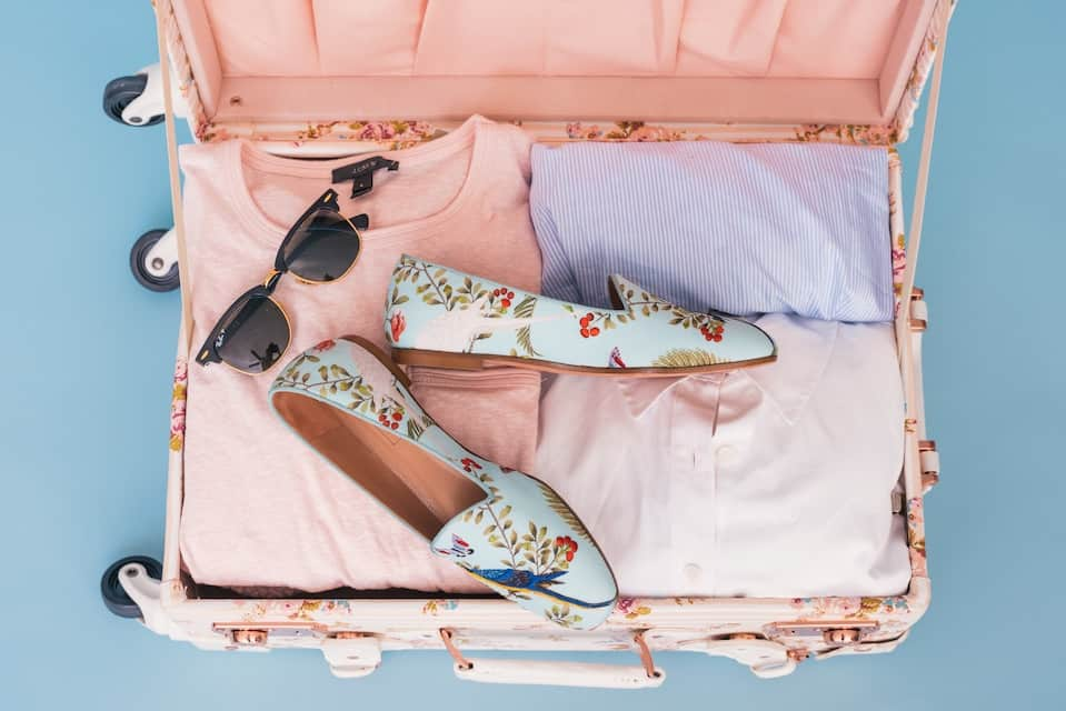 How to Pack Light for a Flight (and other packing tips)