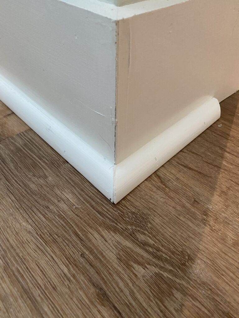How To Install Quarter Round Moulding, How To Cut Molding For Rounded Corners