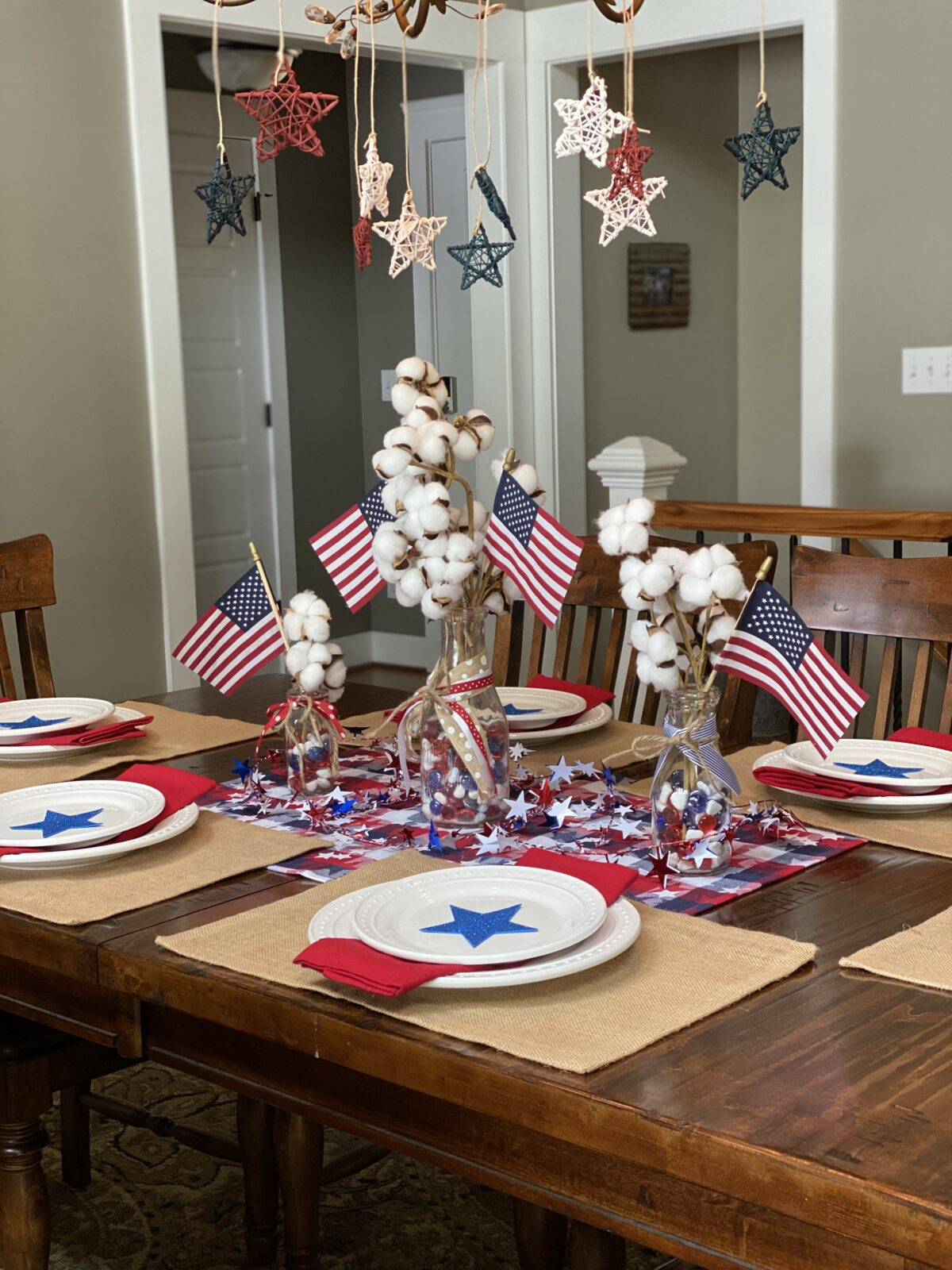 Festive, but Simple 4th of July Tablescape