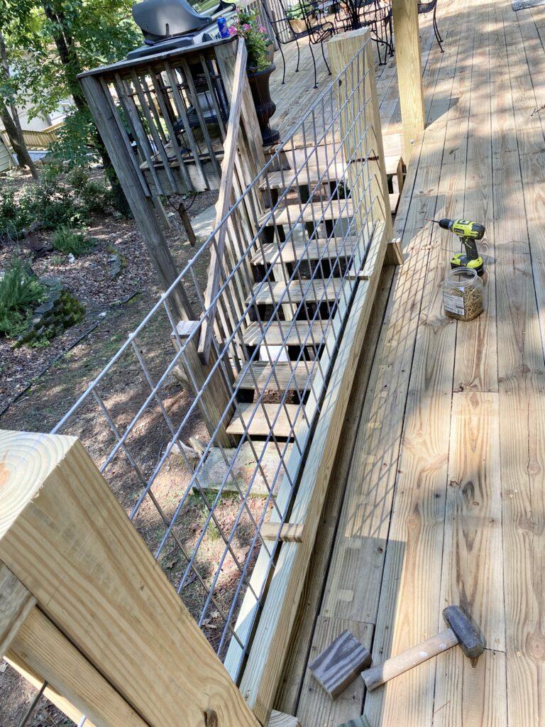Diy Hog Wire Deck Railing