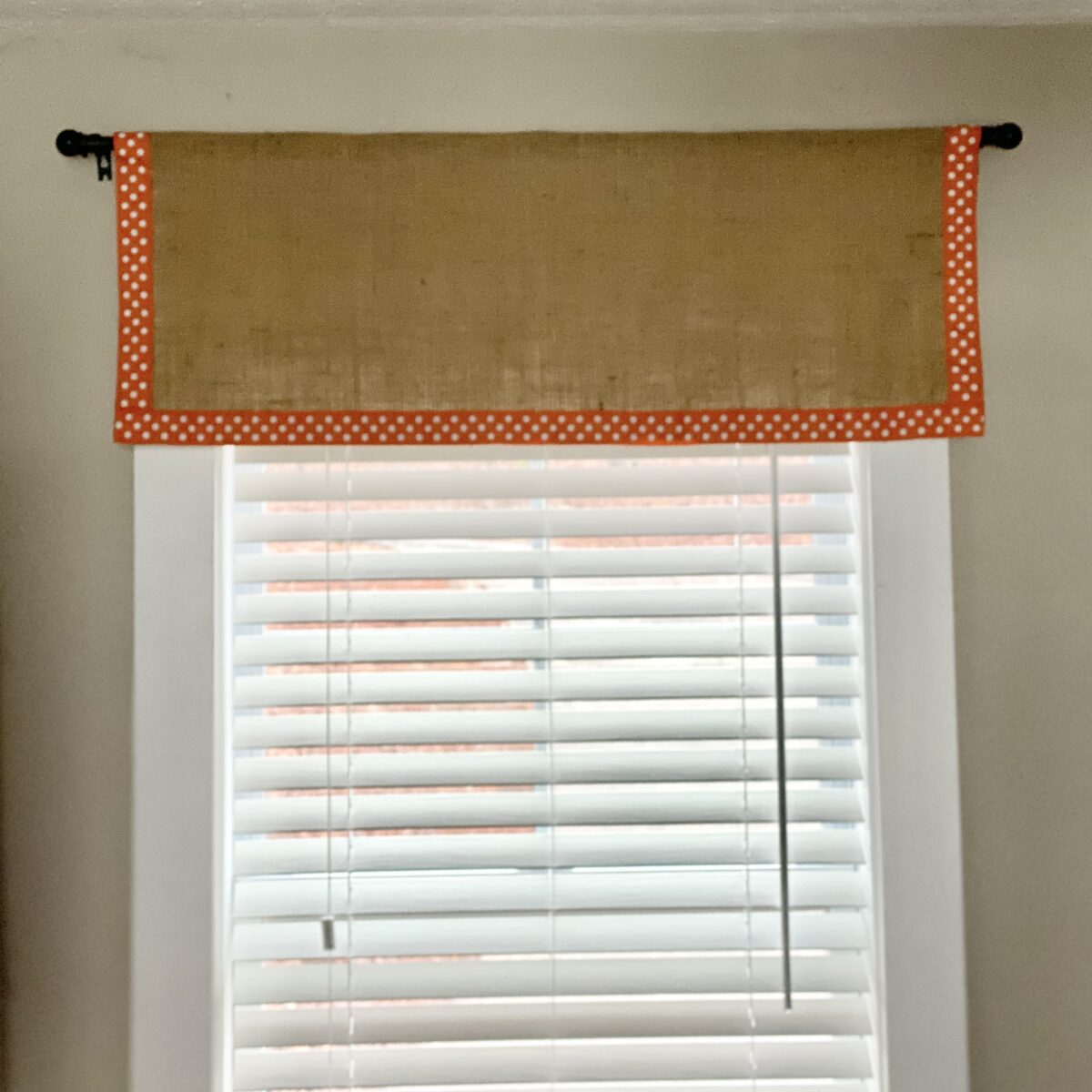 How to Sew a Burlap Valance with a Ribbon Accent